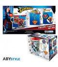 Dc Comics - Gift Box - Mug/Tazza King Size 460Ml + Keyring/Portachiavi + Badges/Spielle - Superman